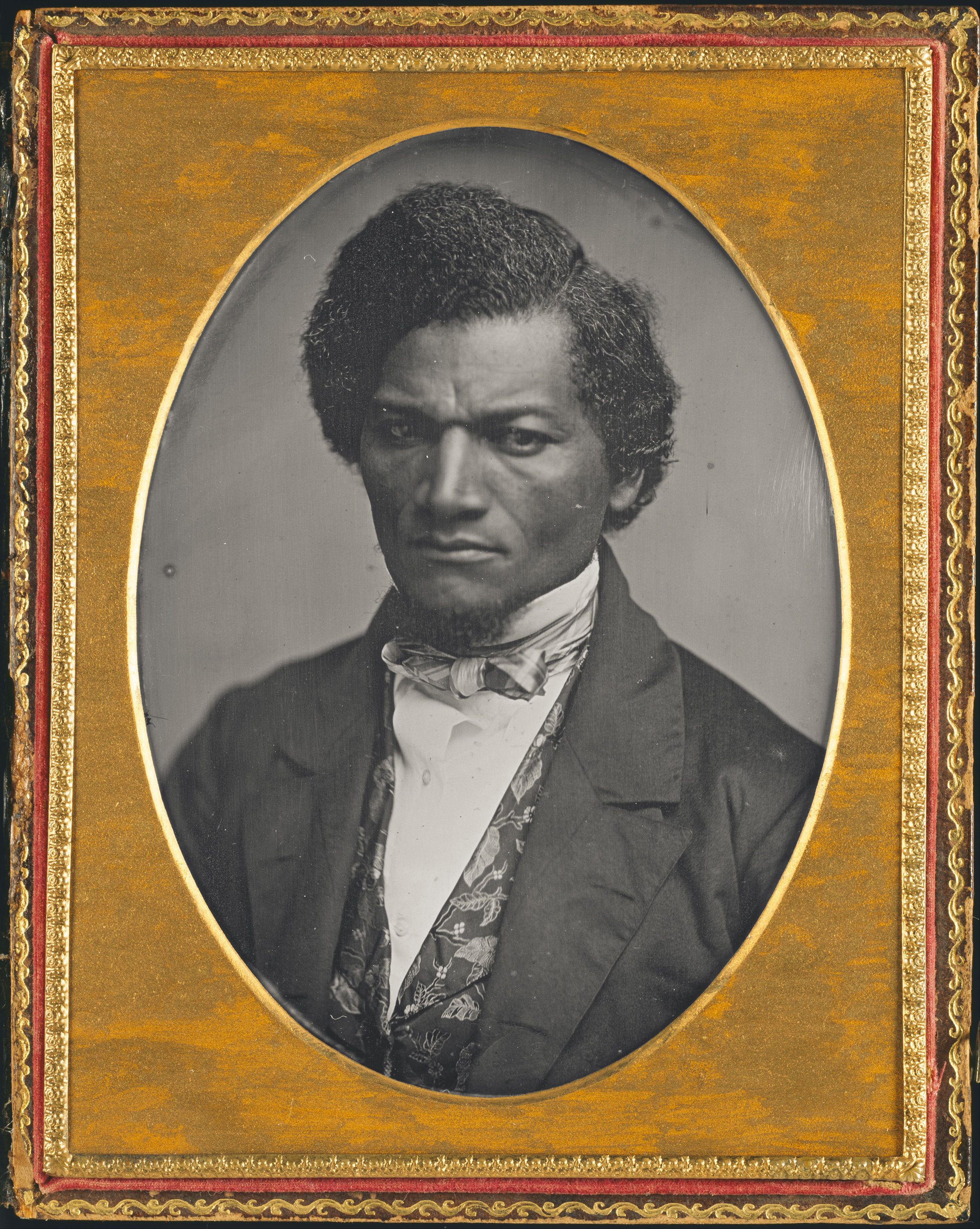frederick douglass and richard wright comparison paper bet Visit the frederick douglass papers at the library of congress to view approximately 7,400 items (38,000 images) relating to douglass' life as an escaped slave, abolitionist, editor, orator, and public servant.