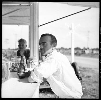 A migrant packinghouse worker, Deerfield, Florida, 1937, (Arthur Rothstein / Library of Congress)