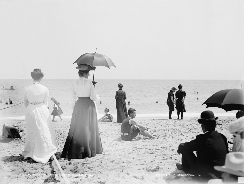 On the beach, Palm Beach, Florida, 1906 (Detroit Publishing Co.- Library of Congress)