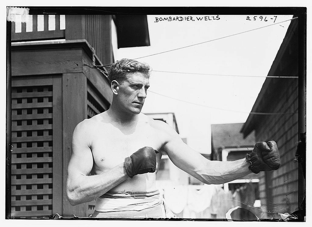 Bombardier Billy Wells, preparing in Rye, N.Y., for fight with Al Panzer (New York Times / Library of Congress) June 26, 1912