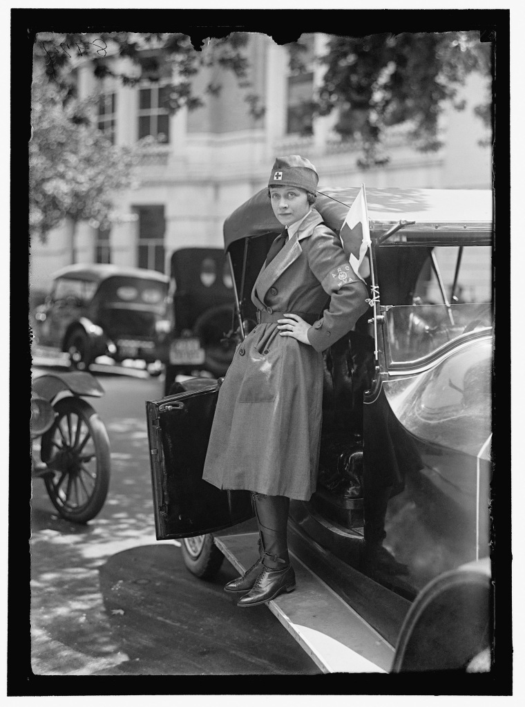 A woman from West Virginia who worked for the Red Cross Motor Corps is photographed in Washington, D.C., 1917 (Harris & Ewing / Library of Congress)