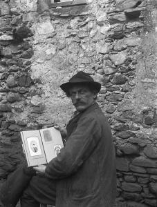 Roberto Donetta, Self-portrait –Bleniotal, © Fondazione Archivio Fotografico Roberto Donetta